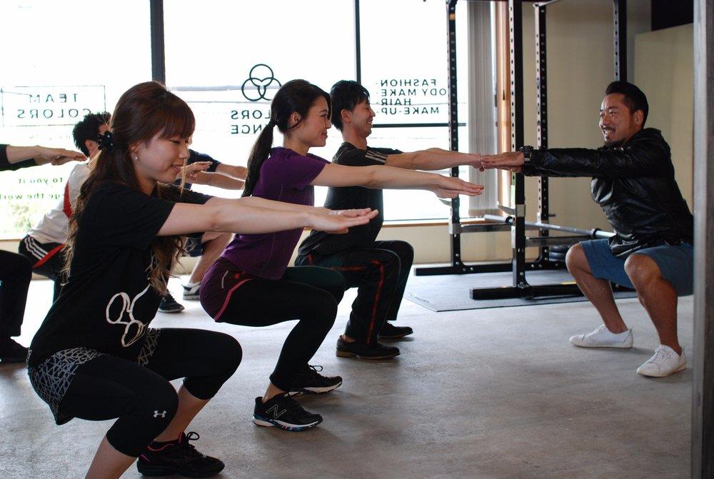 自重トレーニング - 自宅でもできる簡単で効率的なトレーニング法をレクチャーします。なんとなくやるのと分かってやるのでは結果は大違いです。