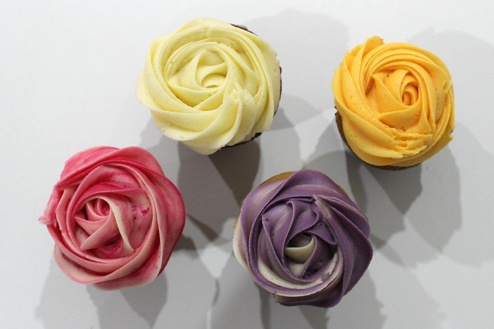 Petal Cupcakes | EmmaLouisa.com