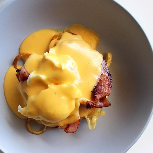 This morning I cooked Father's Day brunch for my parents, except it didn't quite turn out like when I originally took this picture. We gave up on the hollandaise in the end. The recipe is on the blog if you care to try it out . . . . . . #nzbloggers #nzblogger #nzblog #recipepost