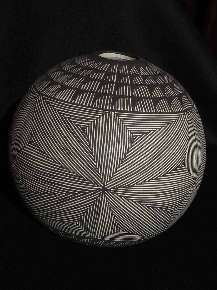 Fig.2 - 'Planet' Acoma Seed Bowl