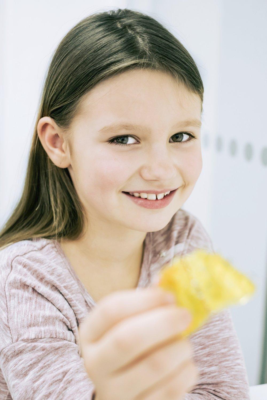 Kinder ab 6 Jahren - Der erste Besuch beim Kieferorthopäden sollte im Alter von 6 bis 7 Jahren erfolgen. Hier wird die Entwicklung von Gebiss und Kiefer kontrolliert. Nur in wenigen Fällen ist eine Behandlung in diesem Alter erforderlich.mehr erfahren →