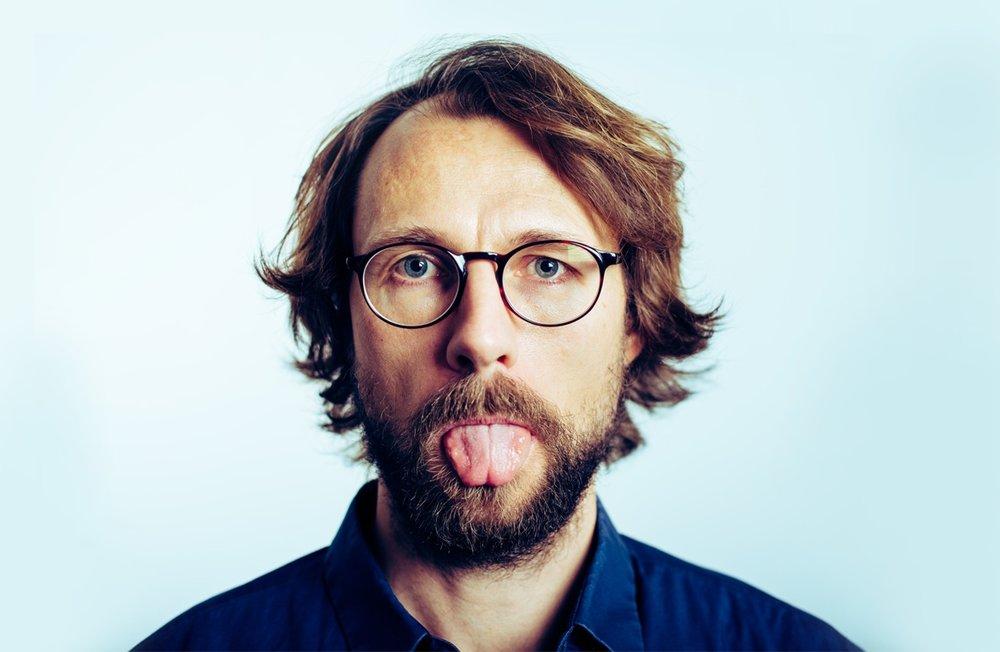 CARSTEN ESKELUND  Stand-Up - Comedy - Konferencier    Se mere