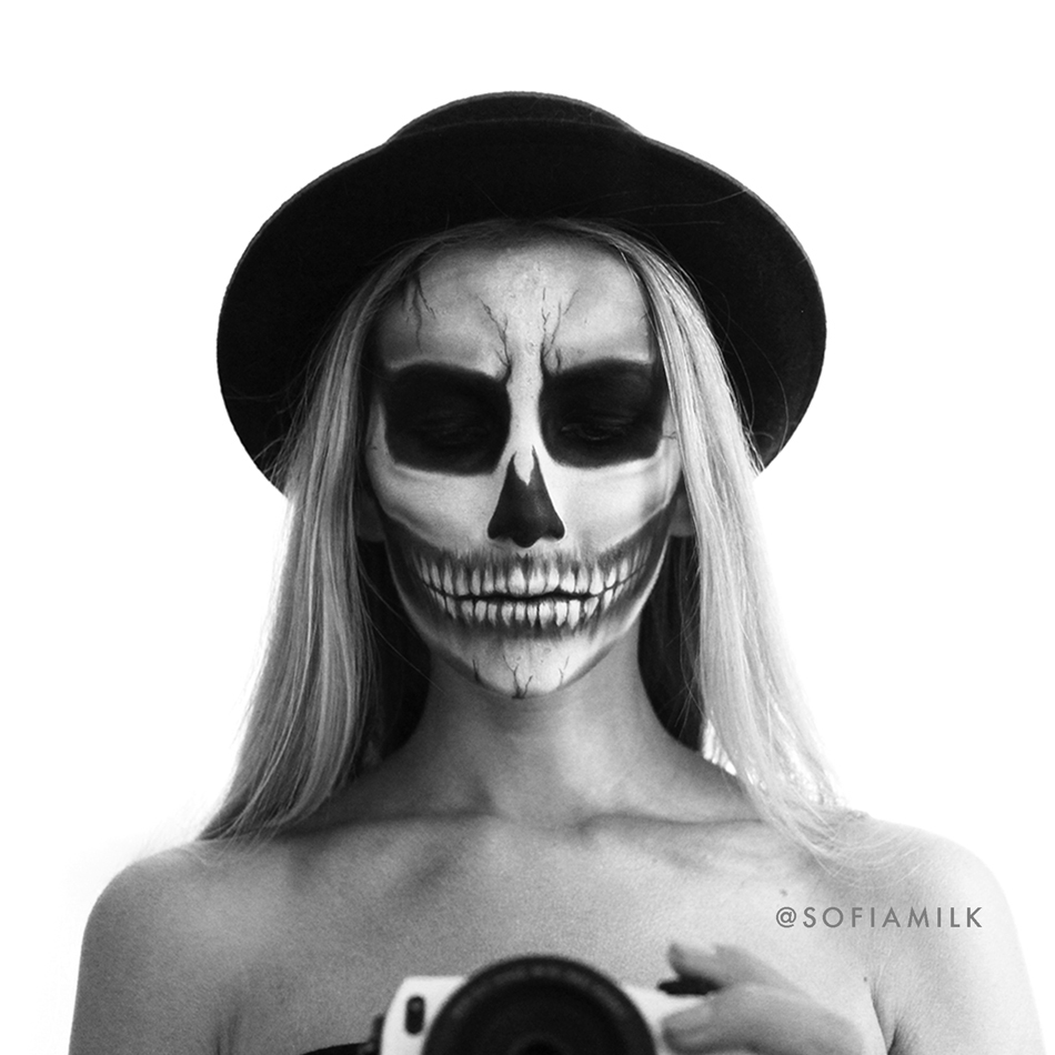 skull-sofiamilk_56e02bc39606ee22c794537a.jpg