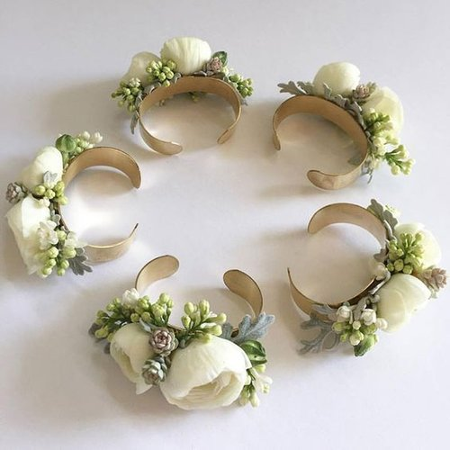 The changing styles of corsages 5 alternatives to the dated you have the meeting with your florist to talk about your wedding flowers visions of bouquets arbors adorned with greens and tucks of beautiful little mightylinksfo