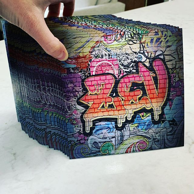 custom STREET ART for the back side of these edgy bar mitzvah invites ✨ @designereventchicago @thestudiolmc #custom #barmitzvah #streetart #chicago #custominvitations #custombarmitzvahinvitations #mitzvah #luxuryinvitations #black #blackedges #art #love #becreative