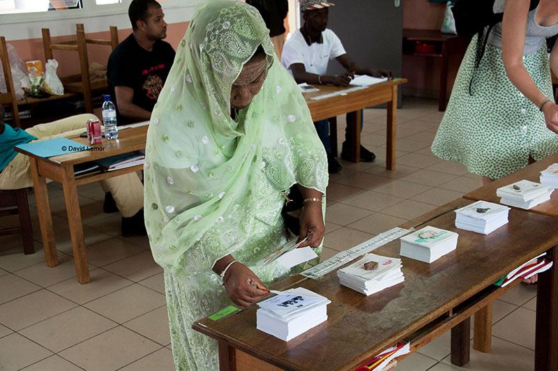 Bureau de Vote dans une école Primaire de  Mamoudzou
