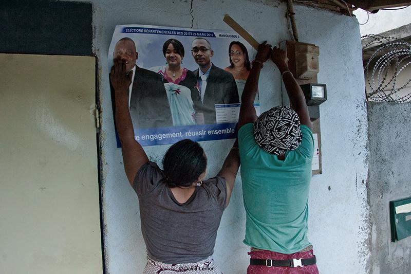 Affichage Dans les rues de  Kaweni