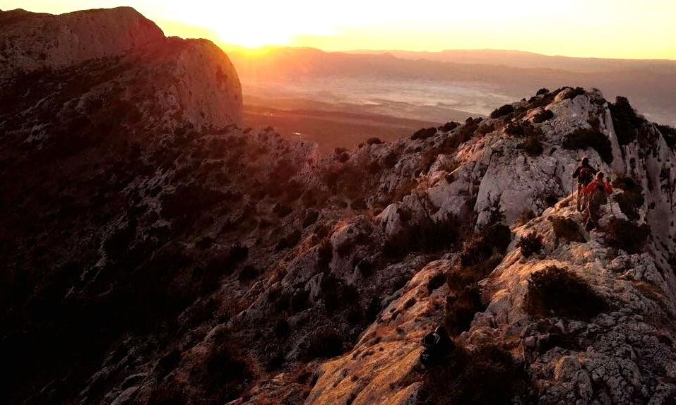 Hiking_St_victoire.jpg