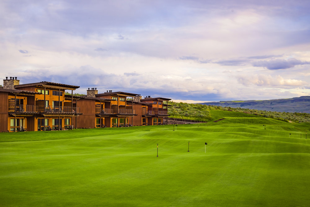 The Cascade Putting Green at Gamble Sands Golf Resort in Brewster Washington. Voted best Public golf course in the Pacific Northwest by Cascade Golf.
