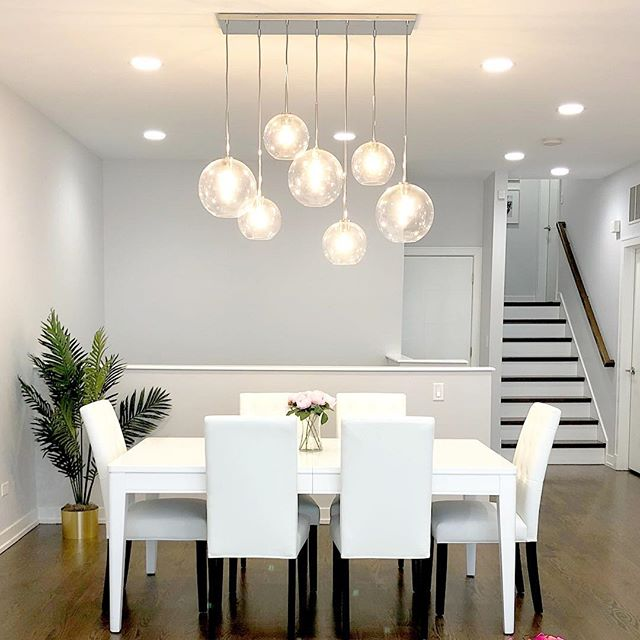 I will forever love this @westelm chandelier in this dining space 😍