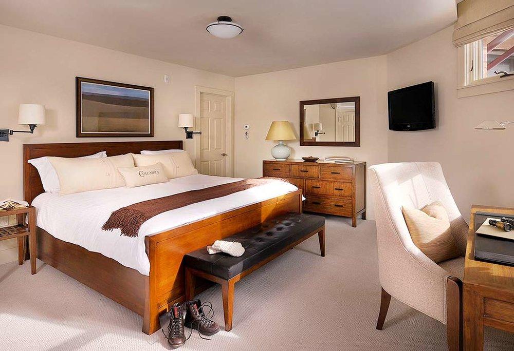 hotel-columbia-room-boots.jpg