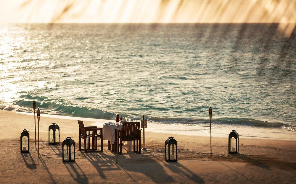 beach-dining-joejenkinphoto.jpg