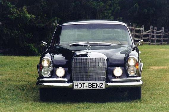 9002 1967 300SE Coupe 6.jpg