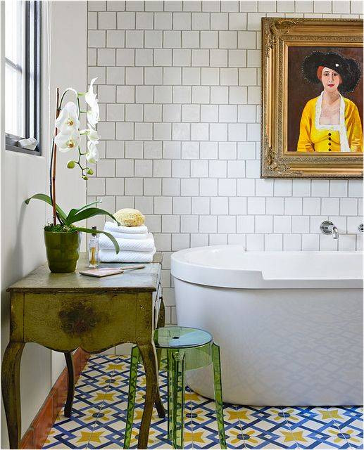 THE BEST PATTERNED BATHROOM FLOOR TILE WE'VE SPOTTED LATELY