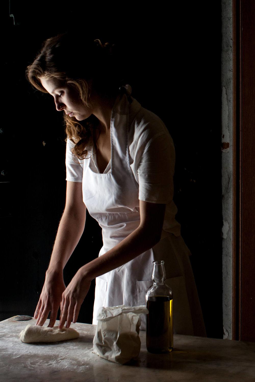 Anna_baking_Sif_Orellana.jpg