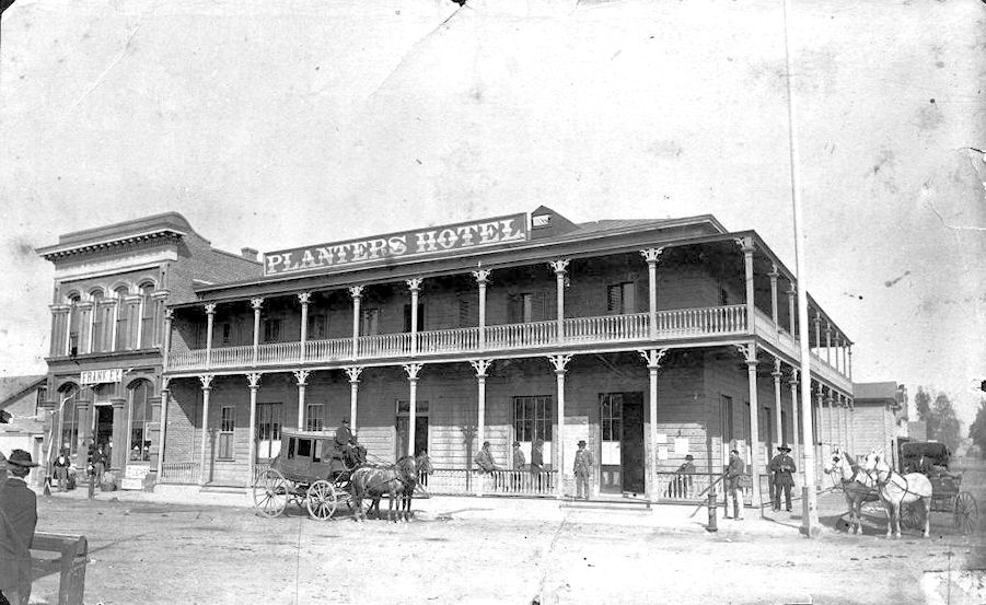 A stage coach pauses in front of the Planters Hotel in Anaheim, circa 1882 (courtesy the Anaheim Public Library).