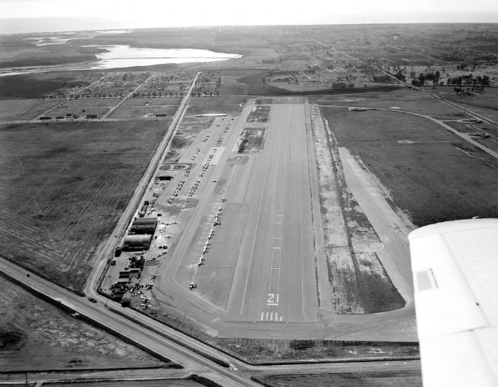 The expanded Orange County Airport after it had returned to civilian use, 1948 (courtesy the Orange County Archives).