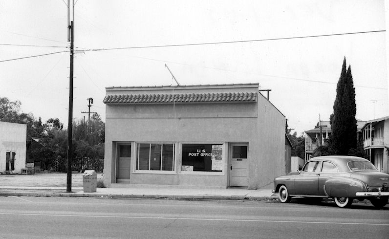 The Yorba Linda Post Office, 1952 (courtesy the Orange County Archives).