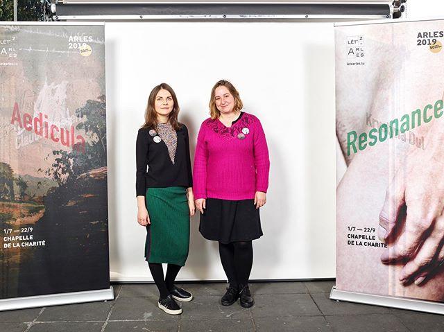 Claudia Passeri et Krystyna Dul, les artistes de la 3e participation de Lët'z Arles aux Rencontres d'Arles. 📷 ©️ Romain Girtgen / CNA #letzarles #luxembourg #claudiapasseri #aedicula #krystynadul #resonance #chapelledelacharite #rencontresarles#rencontresarles2019 #arles#photo#festival