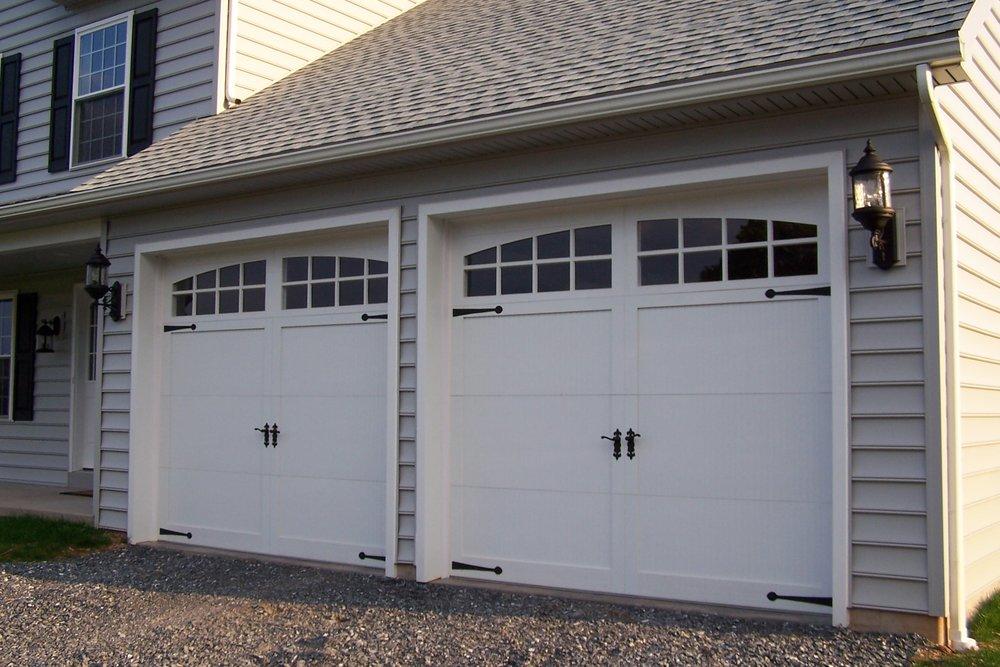 Sectional-type_overhead_garage_door.JPG