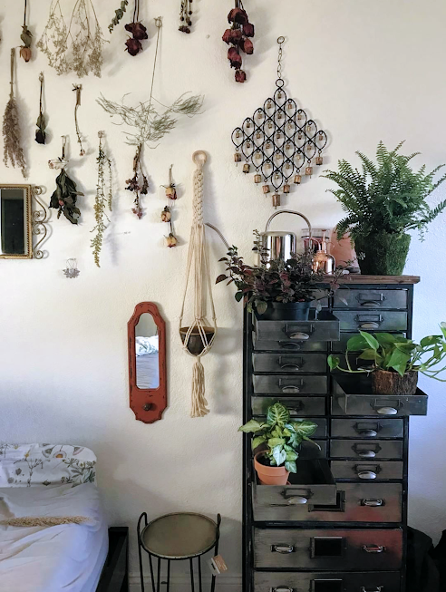 Honored to have one of my very first macrame plant hangers being displayed in such a lovely room! This item is currently residing in the home of a Miami based artist who specializes in working with crystals and preserved flowers! What a beautiful combination!