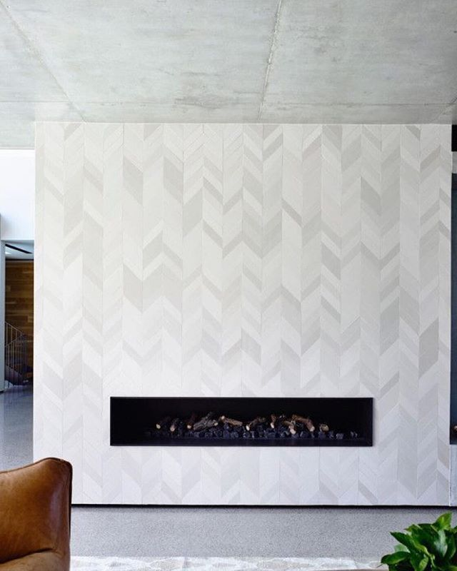From the tile to cement ceiling & floors, we love this modern statement fire place! 🔥🔥🔥 . . . . . . . #Believe #Believehome #BelievebyMichelle #BelievebyMichelleWilliams #MichelleWilliams #MichelleWilliamsHomeDecor #InteriorDesign #HomeDecor #Design #Home #ModernHome #ContemporaryHome #ModernDesign #ContemporaryDesign #DesignInspo #DecorTips