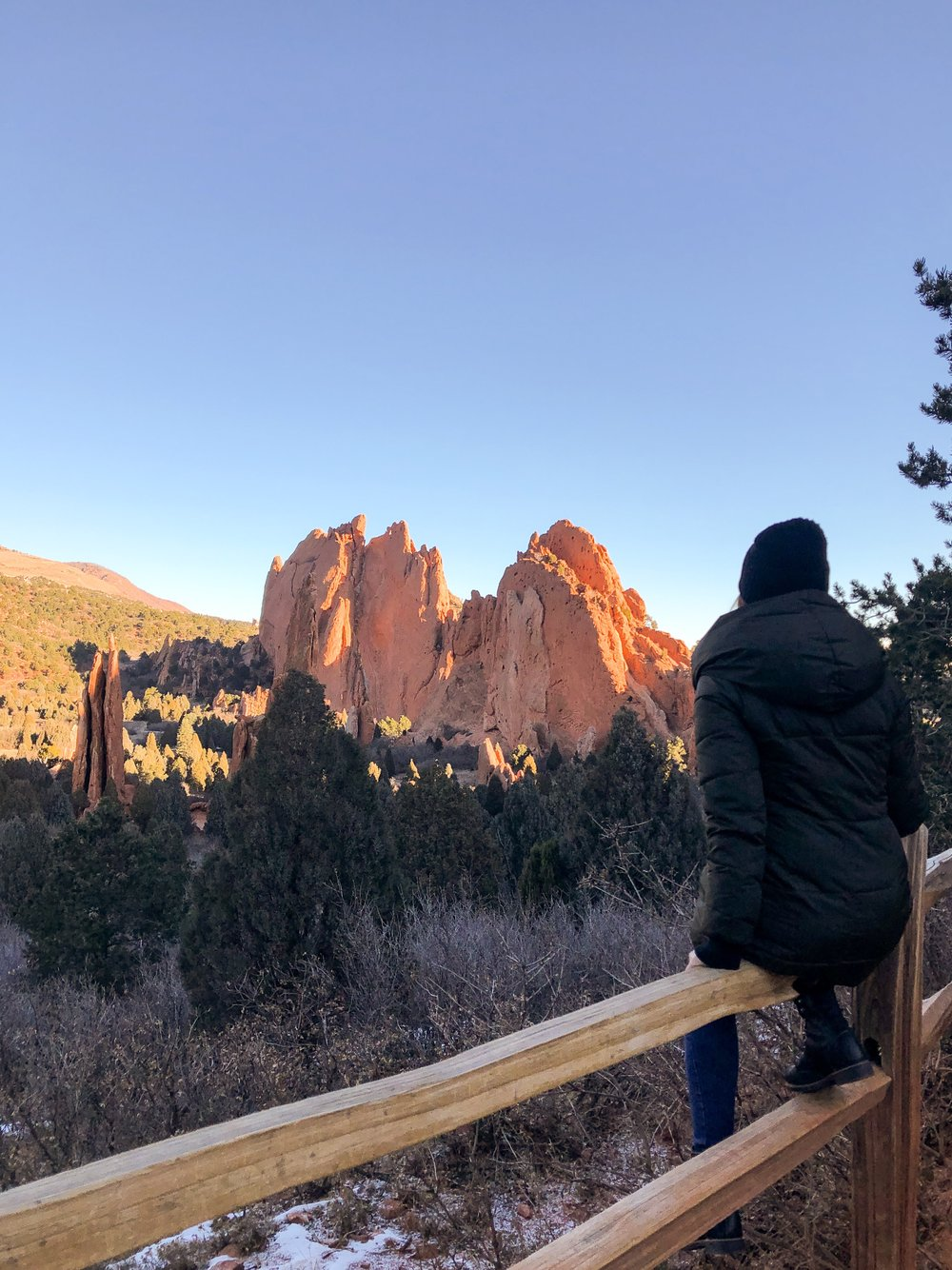 fashion by day at garden of the gods.JPEG
