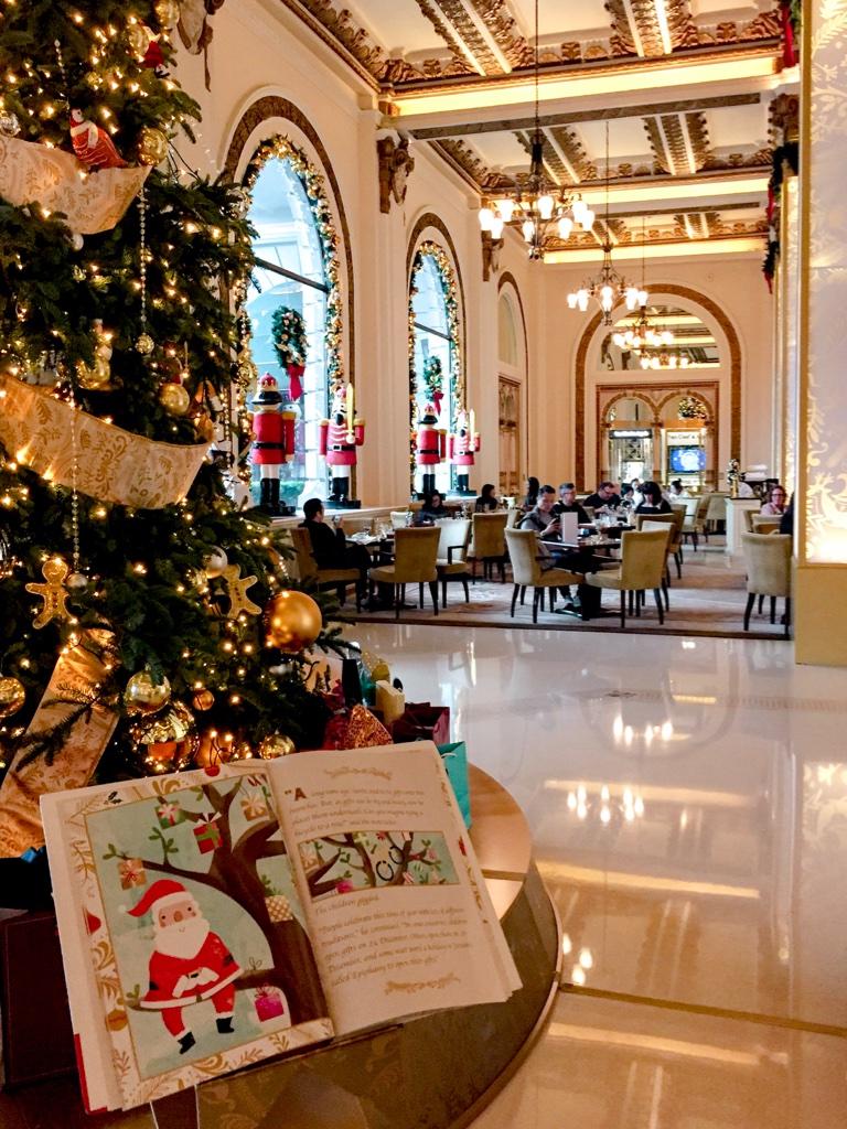Festive Stories - Peninsula Hotel Hong Kong - Book display and lobby