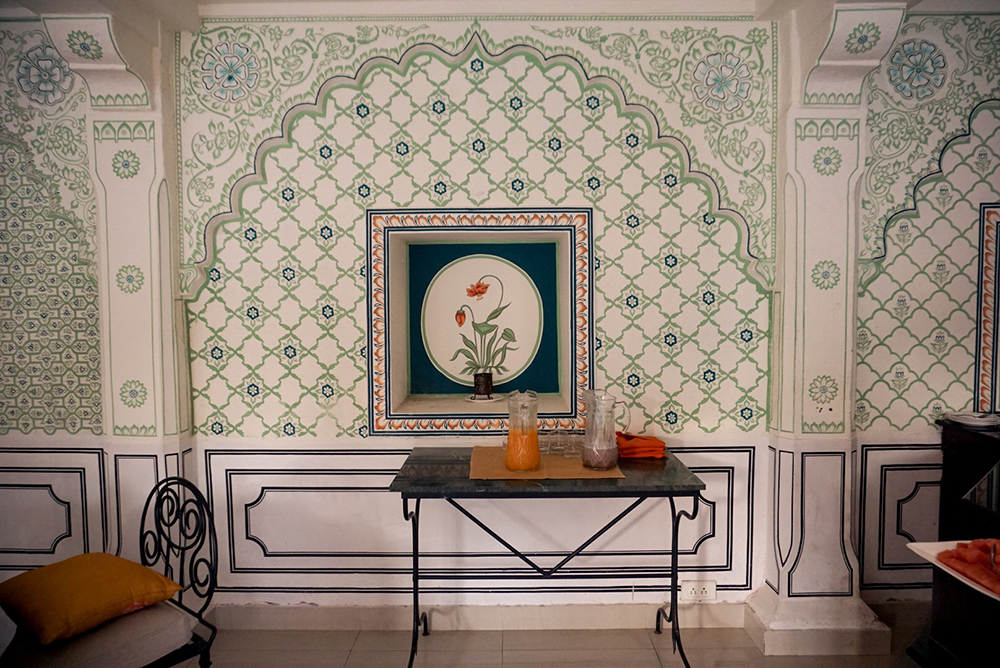 Hand painted wall in the breakfast room