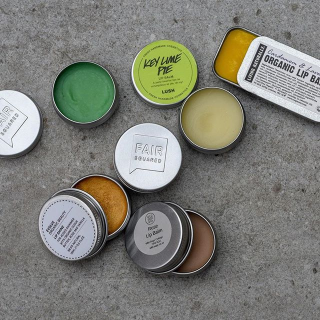 Any lip balm, in a tin, just not *those* blue ones (PETROLeum, innit) 🙄   #lipbalm #plasticpollutes #ditchplastic #plasticfreeliving #plasticfreebeauty #plasticfreebathroom #ecoskincare
