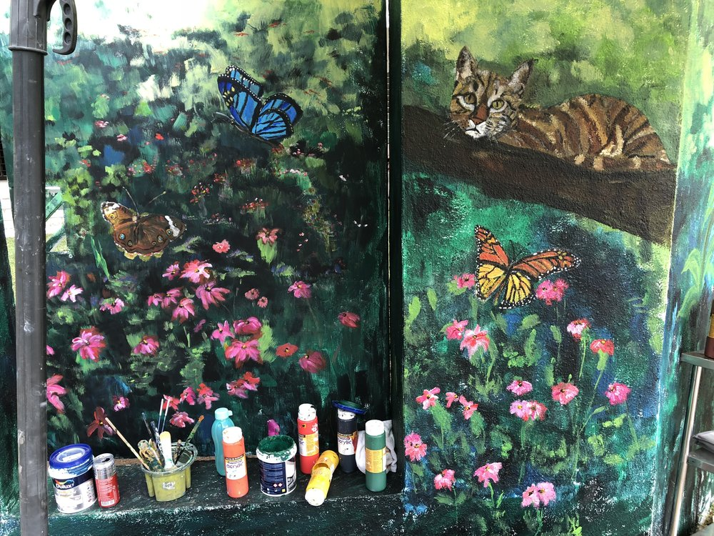 Must add the cat in all my walls...And this time, also the butterflies fluttering around..