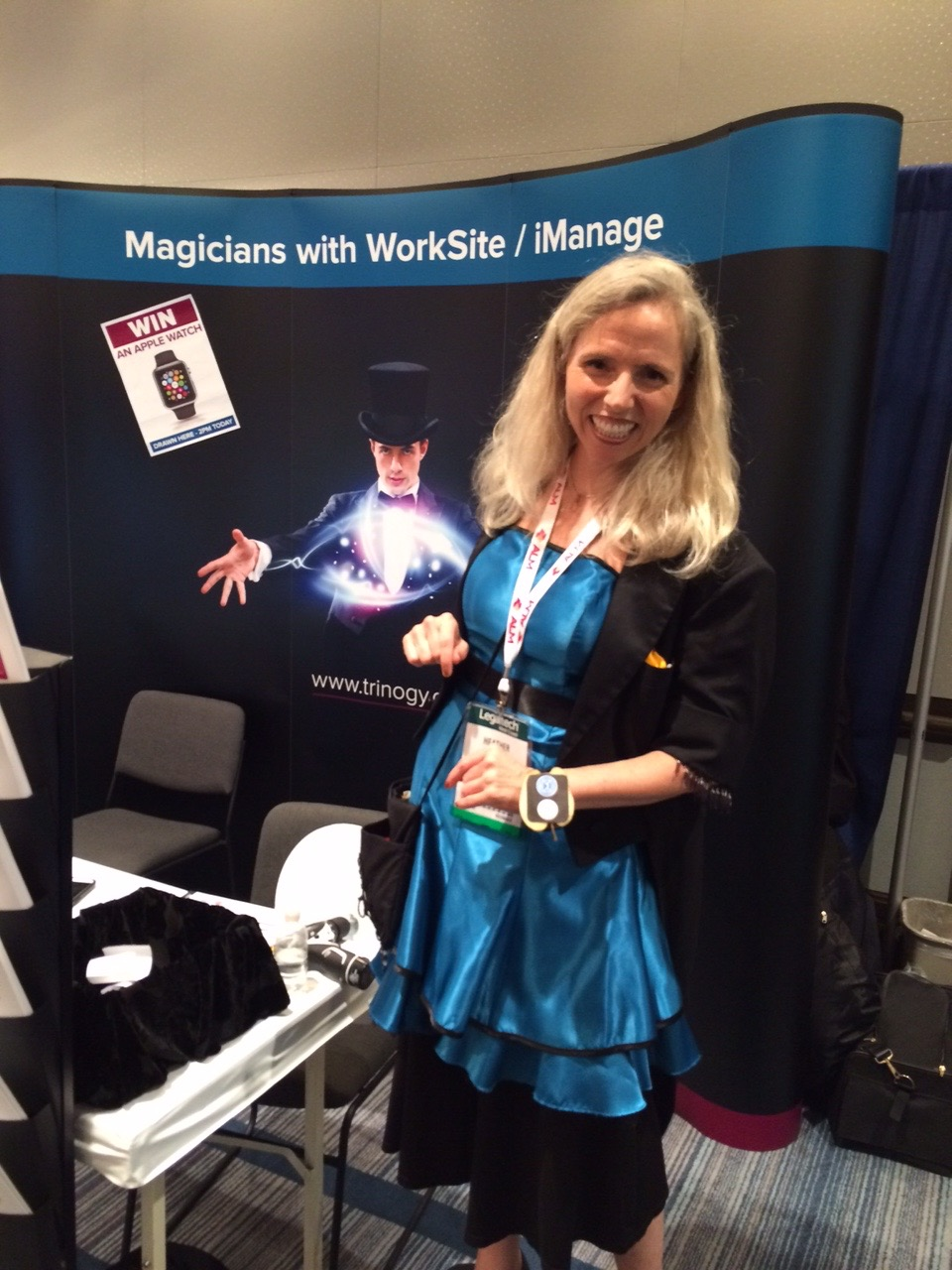 Heather_Rogers_Trade_Show_Magician.jpg