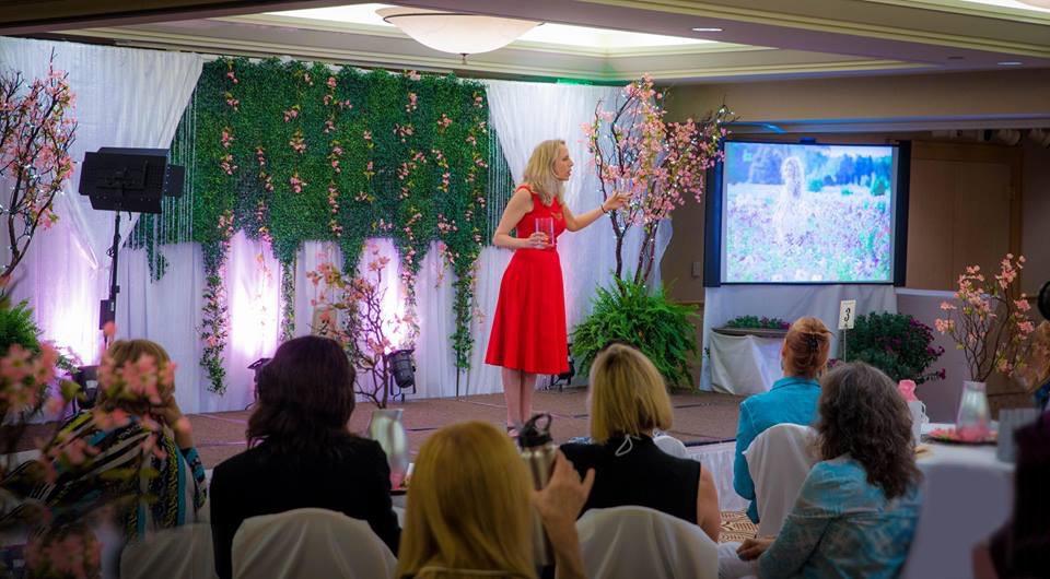 Motivational Speaker, Heather Rogers. Magician, Mentalist, Epigenetics Coach.jpg