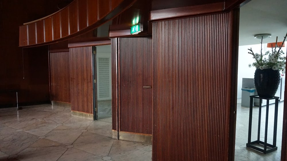 voorbeeld site 4 - deuren lobby.JPG