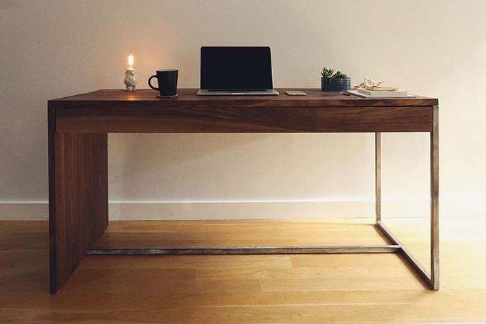 17-desk.jpg