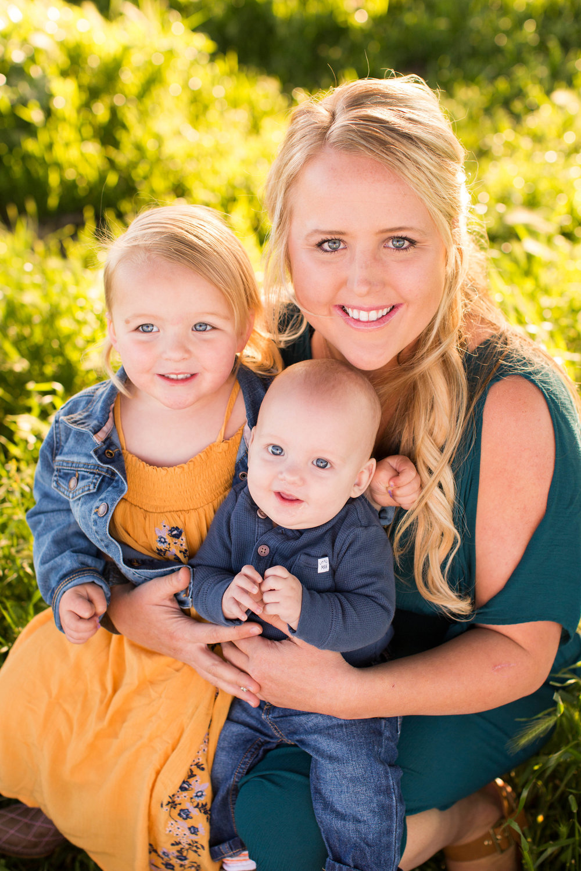 Full Hands, Full Heart | Mother's Day Photoshoot | Sacramento Valley Wedding Photographer | samantha mcpherrin wedding photography | samanthamcpherrin.com