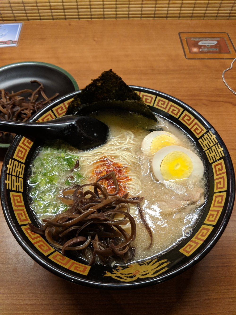 Tonkotsu Ramen - Quiet & relaxing dining at Ichiran.