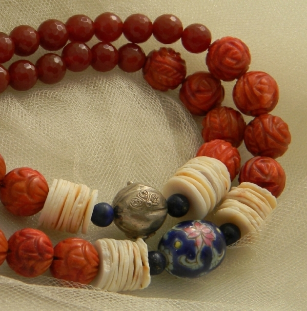 Jade turtle w coral & agate beads necklace