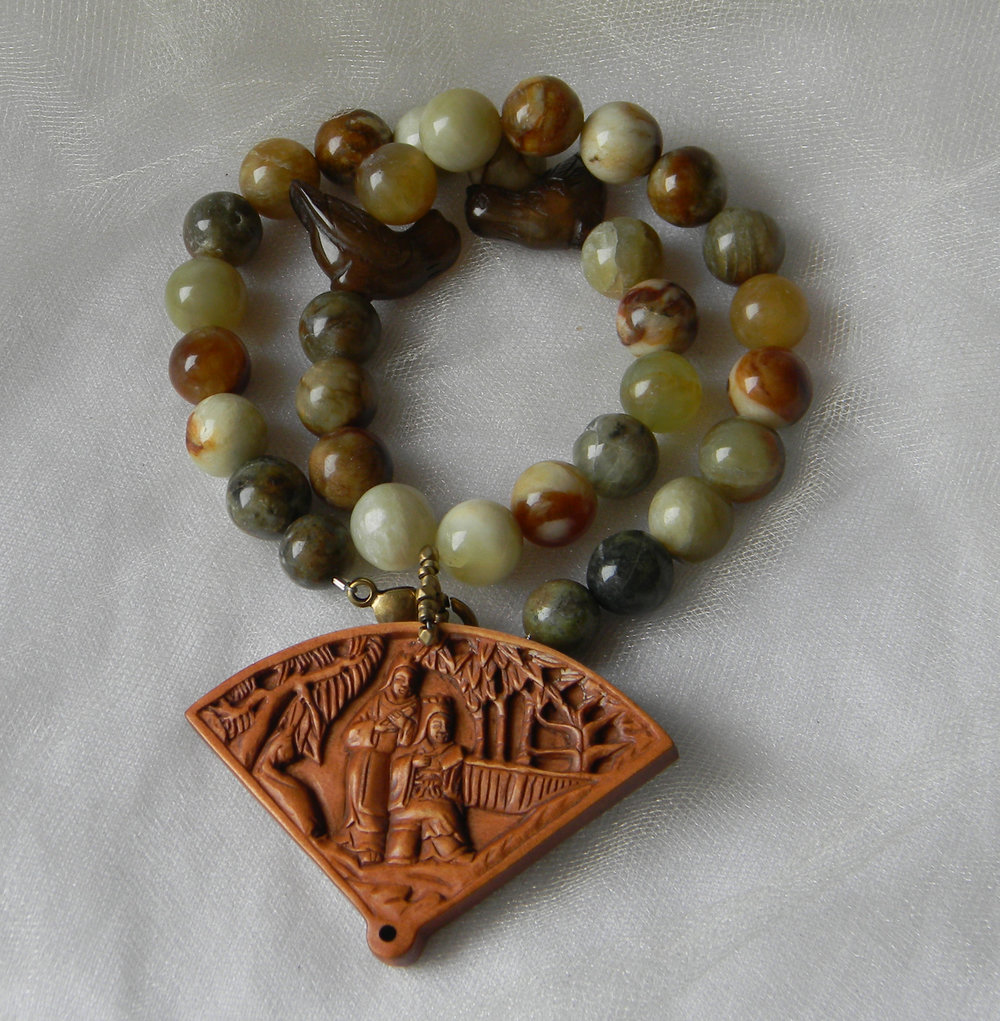 Netsuke pendant w jade flower beads necklace