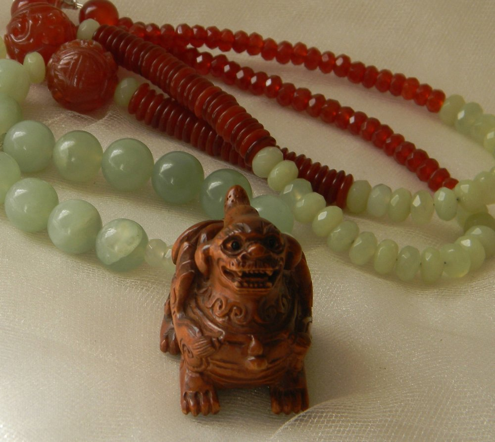 Netsuke Fu Dog pendant & jade beads necklace