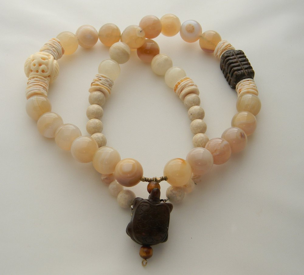⭐⭐⭐⭐⭐ Peach Agate Beads Necklace