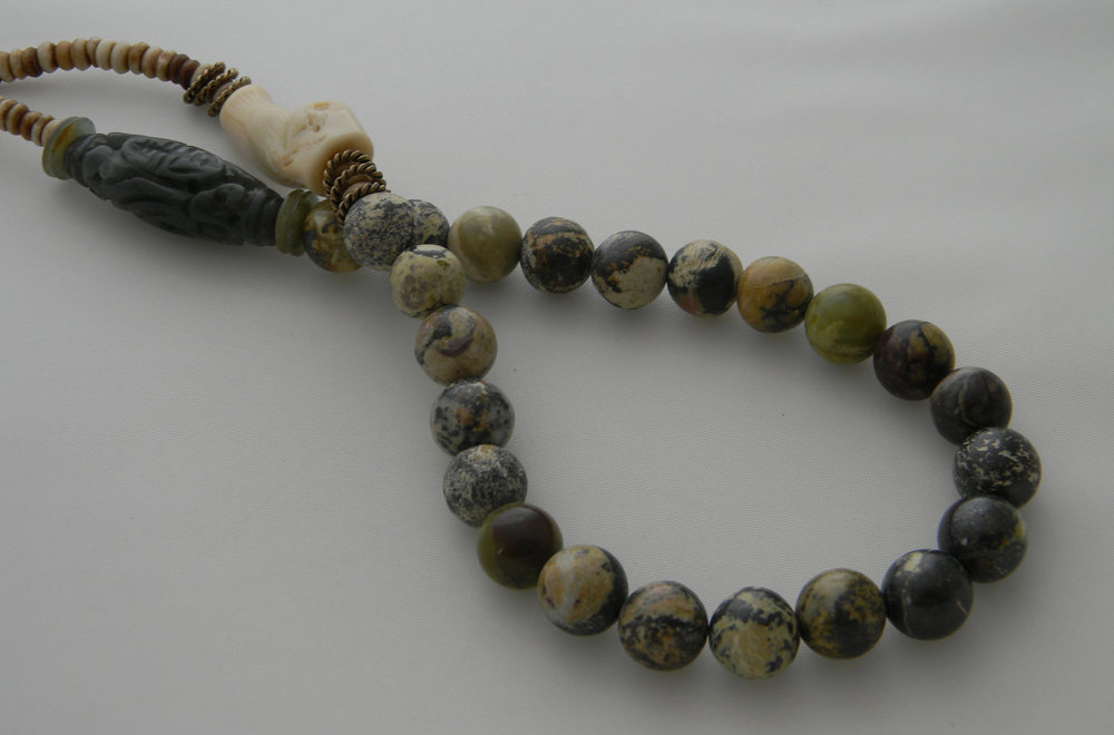 ⭐⭐⭐⭐⭐ Yellow Turquoise Beads Necklace With Carved Green Jade Charm