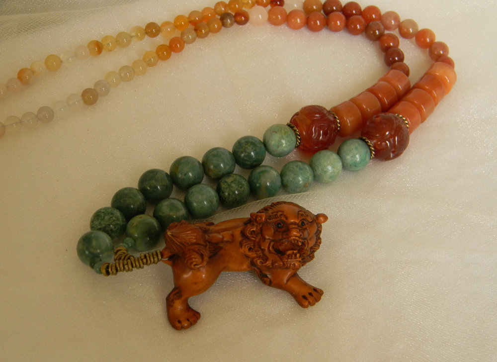 ⭐⭐⭐⭐⭐ Large Fu Gog Netsuke With Gemstone Beads Necklace