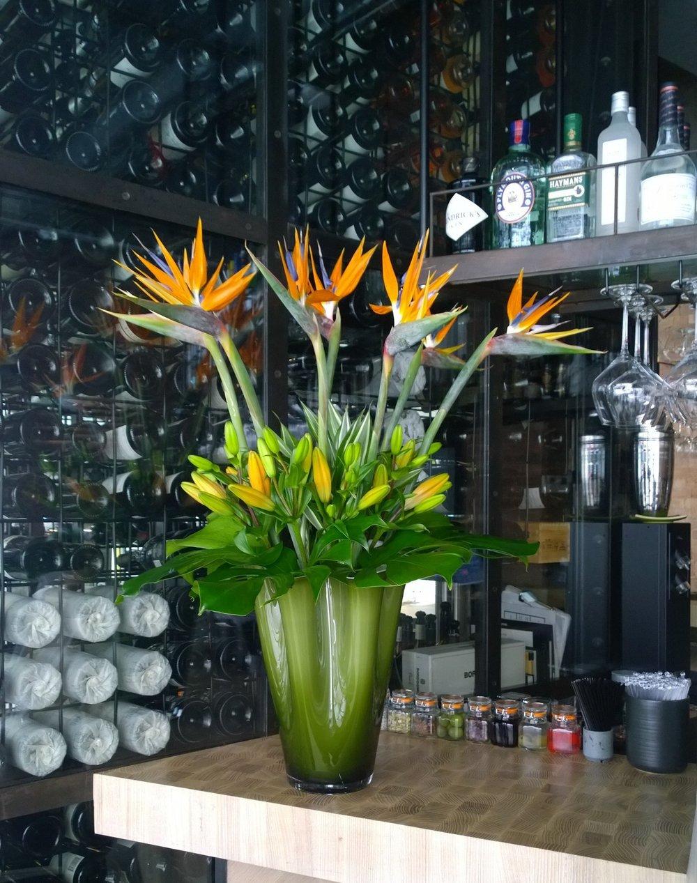 HOTEL,CORPORATE &OFFICE FLOWERS -
