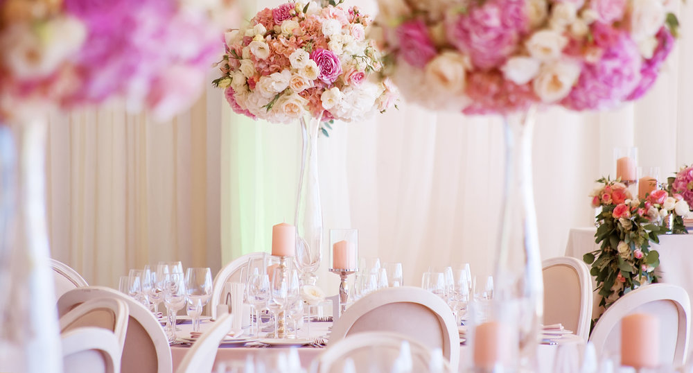 WEDDING & EVENT FLOWERS - We are a Florist specialising in high end Luxury Weddings & Events, creating spectacular arrangements using beautiful flowers.