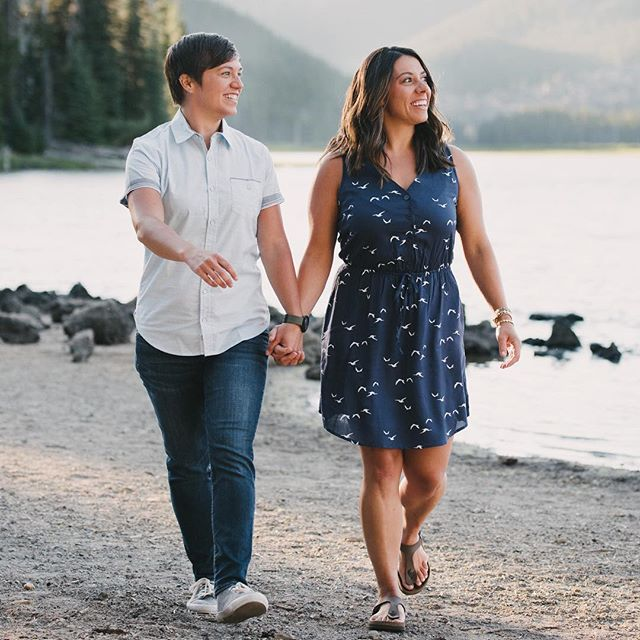 We heard it was Crystal's birthday today! Happiest of days to you. I'm sure Becca is doing her best to spoil you on this special day!  @lilreedo87 @becca__swain #rememberwhenitwasntsmokey #loveislove #centraloregonphotographer #sparkslake #bendoregon #afamilyco