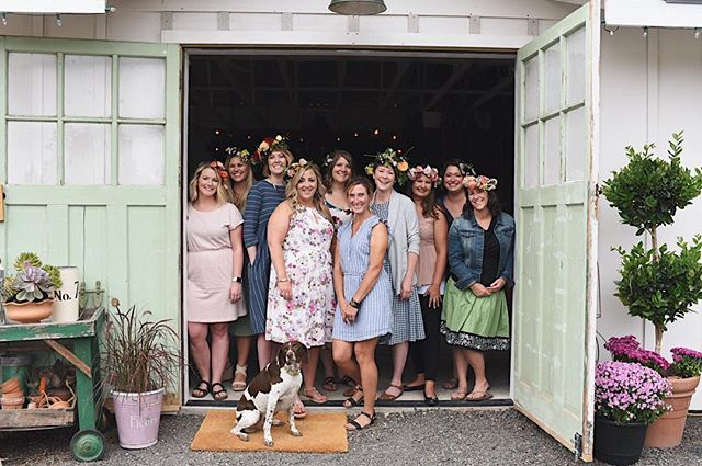 Jen @sweetposyfloral hosted a beautiful floral crown soirée for a group of lovely ladies here for a bachelorette party! So, so fun and beautiful.
