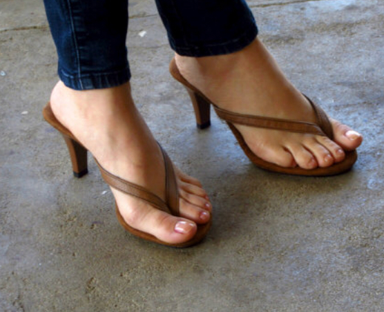 695e24b169dae Please Don t Let Thong Heel Sandals Be The Wave! — SAINT ANGELES
