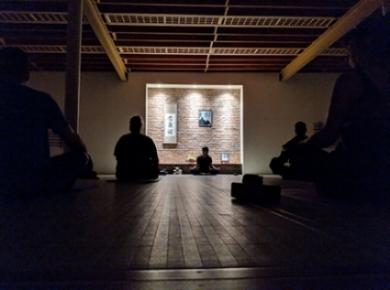yoga-group-sitting-exercise.jpg