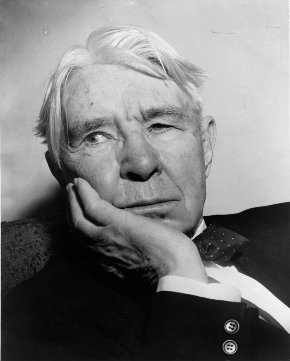"The People's Poet - Carl Sandburg was the people's poet, and he was a poet who believed in the people. He wrote about farmhands, street vendors, garment workers. He wrote about cracked hands and sore feet. And he wrote about them in a language those workers would have recognized.In a long and prolific career, Sandburg wrote about everyday people and the landscape they lived in. He wrote about cities and prairies, war and industry, love and childhood. He wrote about the dream of America and what it meant to be American. At Sandburg's memorial service—held at the Lincoln Memorial—Lyndon Johnson showed up unannounced to say, ""Carl Sandburg was more than the voice of America, more than the poet of its strength and genius. Carl Sandburg was America.""More about Sandburg."